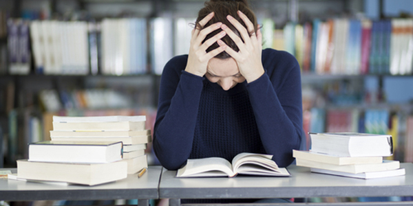 Growing Pains: The Cost of Being Disorganized in College